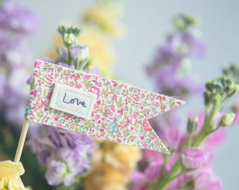 Love message flag, mini message sign.