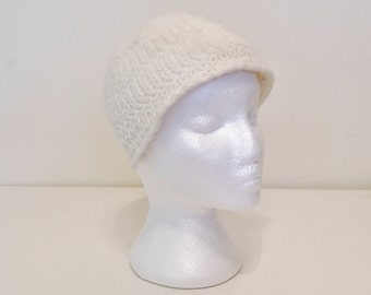 Vintage 50s Knit Hat, 1950s Juliet Hat, 50s Topper, White Knit Hat, Winter Hat, 50s Womens Cap, Headband Hat, Cream Hat