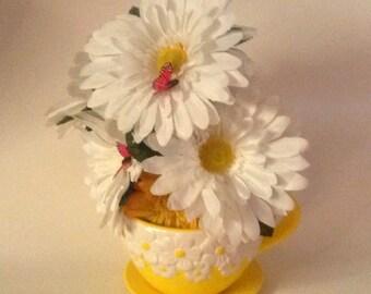 Sunshine White Gerberas Silk Floral Centerpiece, Silk Centerpiece, Yellow Tabletop Centerpiece, Kitchen Flowers, Unique Centerpiece