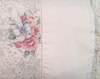 Vintage Queen Flat Sheet - Jessica Mclintock - Romantic Floral -  Bibb - Roses Floral on Cream - Queen Flat