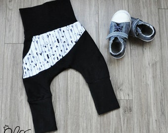 Grow with me Harem pants for babies, black and white grow with me pants, harem pants, arrow print, pants by MEF Creations