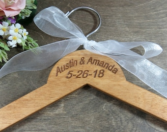 Wire Name Hangers Engraved - Names and Dates - Brown Wooden Hanger - Personalized Ornament - Holiday Gifts - Wedding Photo Props - Gifts