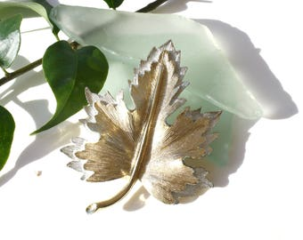 Vintage Sarah Coventry Gold and Silver Toned Leaf Brooch / Pin