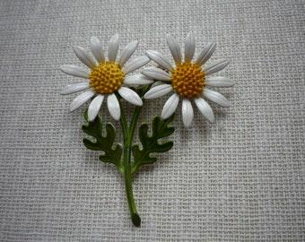 Vintage Large Enamel Daisy Flower Metal Brooch Pin