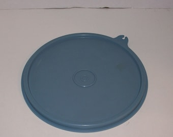 Vintage Tupperware Replacement country blue LID  227 6.5""