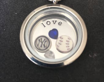 New York Yankees floating charm locket