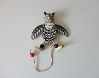 VINTAGE pull string wooden OWL ORNAMENT - made in austria