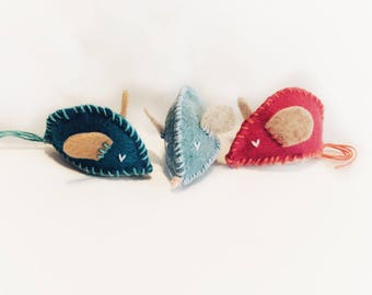 Set of 3, Felt Mouse Cat Toy, Catnip Toy, Handmade Cat Toy, Stuffed Cat Toy, Toys for Cats, Toy With Catnip, Cat Lover Gift, Small Mouse