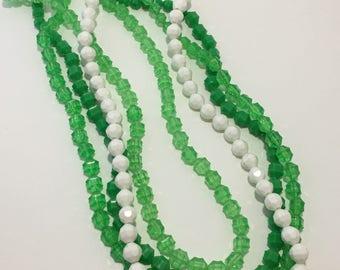Retro Green Beaded Necklace