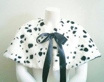 Black and white capelet