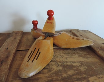 Wooden Shoe Form Vintage Red Hed Shoe  Form Adjustable Wooden Mid Century Shoe Stretchers Red Knobs Industrial Display Decor
