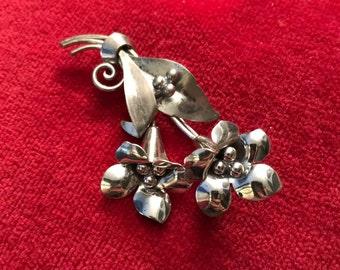 Vintage Sterling Silver jumbo floral brooch