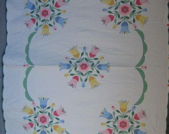 Queen Size Antique Quilt, Tulip Applique in Solid Pastel Colors, Handmade/ Hand Quilted in USA, Scalloped Border, Queen Vintage Quilt #17719