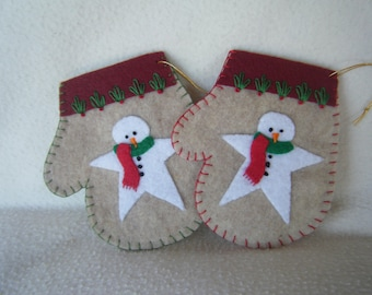 Christmas Snowman Star on a Beige Felt Mitten Christmas Ornament/Gift Card Holder - 100% HANDMADE