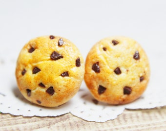 Cookie Stud Earrings - polymer clay food, miniature food, food jewellery, food earrings, handmade gift, handmade jewellery, choc chip