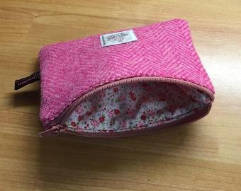 Dark Pink Herringbone Harris Tweed coin purse, zipped coin pouch, change purse, friend gift, little purse, stocking filler, secret santa