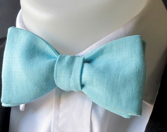 Aqua / turquoise  blue linen bowtie -  classic bowtie - self tie - neoud by Justbowties