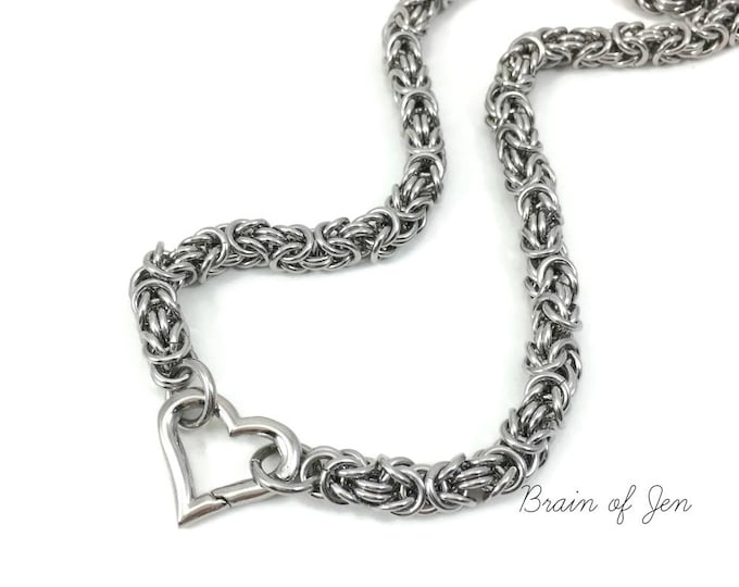 Stainless Steel Submissive Day Collar Chainmaille Slave Collar with Heart Clasp