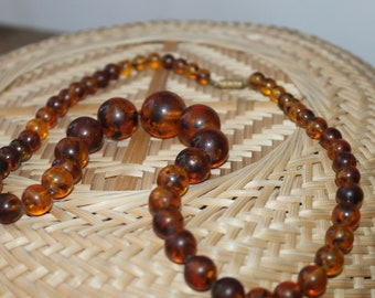 Classic Faux Amber Necklace, Lady Necklace with Faux Amber Resin Yellow Brown Beads, Length 60 cm, Gift Idea