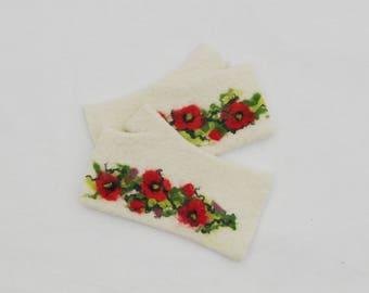 Felted Fingerless Gloves Fingerless Mittens Arm warmers Wristlets Merino Wool White Poppies