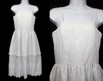 Vintage 70's White Floral Embroidery Layered Dress XS
