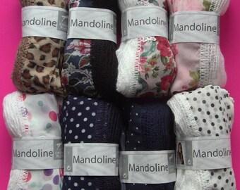 set of 8 balls of wool mandolin white horse