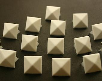 50 pcs. White Pyramid Stud Biker Spikes spots nailheads 13 mm.