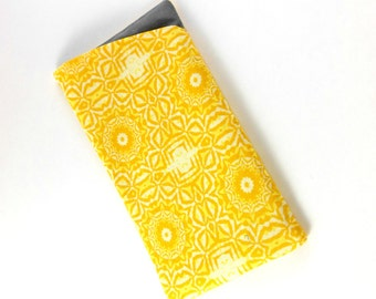 Soft eyeglass case, padded sunglass case, soft sunglass case, gold-yellow case, spectacle case, soft eyeglasses case, padded eyeglass case
