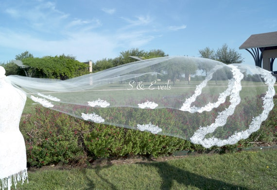 Chapel veil with lace | wedding veil