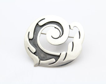 Cresting Wave Swirl Brooch in Sterling Silver With Oxidized Contrast. [10201]