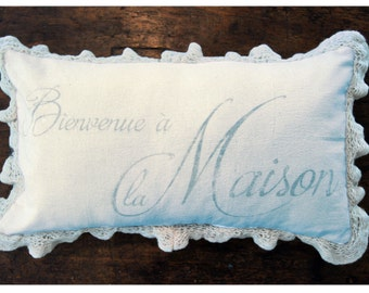 French Pillow Cover. Shabby Chic Pillow. Farmhouse Pillow Cover. Bienvenue Maison (Welcome Home). French Country.