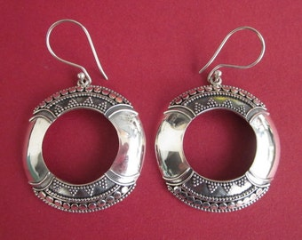 Bali Sterling silver 2 inches vintage style earrings / silver 925 / Balinese handmade jewelry