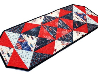 Independence Day Quilted Table Runner in Red White and Blue, Parade on Main Quilt, 4th of July Quilt, Quiltsy Handmade Patchwork