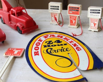 RARE 1960's Wolverine Big T Service Gas Station Accessories - Texaco, Gas Pumps, Batteries, VW Beatle, Tow Truck, Grease, Tin Sign(WTH-1122)