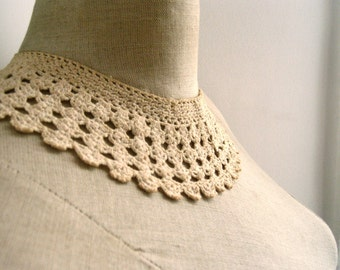 Antique French handmade lace collar / Found in Paris / Vintage wedding / Dress accessory / Period costume / Dress lace / French lace