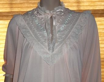 Modest Carol Hochman Long Sleeve Full Length Nightgown Tznius Small Nylon ILGWU