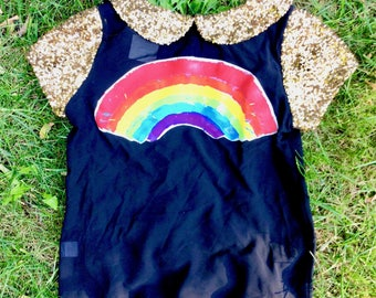 Wainbow black top w/gold sequin collar