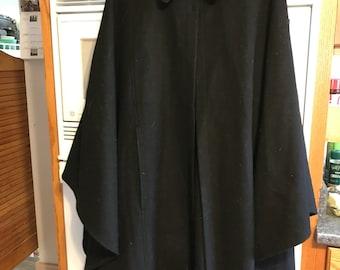 Vintage Victorian 1950s Black Wool Cape
