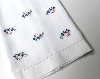 Vintage White Finger TipTowels With Hand Embroidery