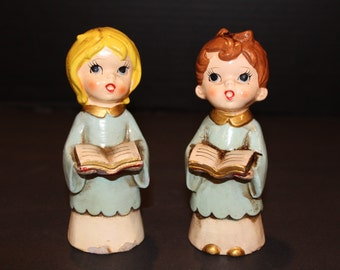 Vintage Pair Parma Paper Mache, Boy and Girl, Chior Singers, Christmas Decor, 1960s, Knick Knacks, figurines (X009)