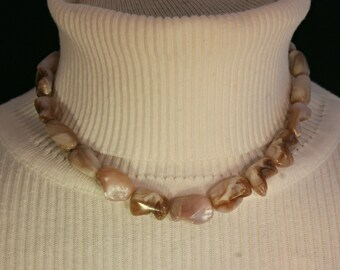 Mother of Pearl Necklace # 677M