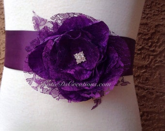 Plum Lace Flower Bridal Sash / Plum Wedding Sash / Eggplant Bridal Bow / Bridesmaid Ribbon / Maternity Flower Sash