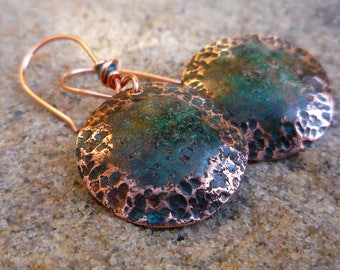 Small round earrings, Copper jewelry, Verdigris earrings, Artisan jewelry, Hammerd copper, Discs earrings, Rustic jewelry