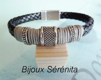 Black magnetic clasp leather bracelet