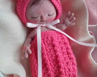 "SALE...Bonnet and Sack Set for 9"" BeBe Babies Doll Created by My Beautiful Blythe"