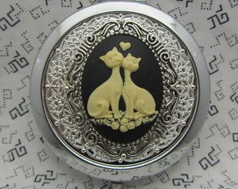 Animal compact mirror with protective pouch - cats compact mirror gift - compact mirror gift for bridesmaids - the puuurfect couple