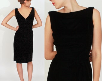 Vintage 1950s Black Velvet Wiggle Dress with Bow Belt by Suzy Perette   Small