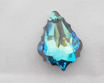 Original SWAROVSKI Crystal 22 x 15 mm Bermuda blue pendants. (9071017)