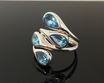 Multi Stone Blue Topaz Ring // 925 Sterling Silver // Wrap Around Teardrop Setting // Natural Blue Topaz