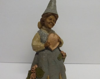 Vintage Cairn Studio Tom Clark Gnome Woodspirit  Dee-Lovely with Sea Shells